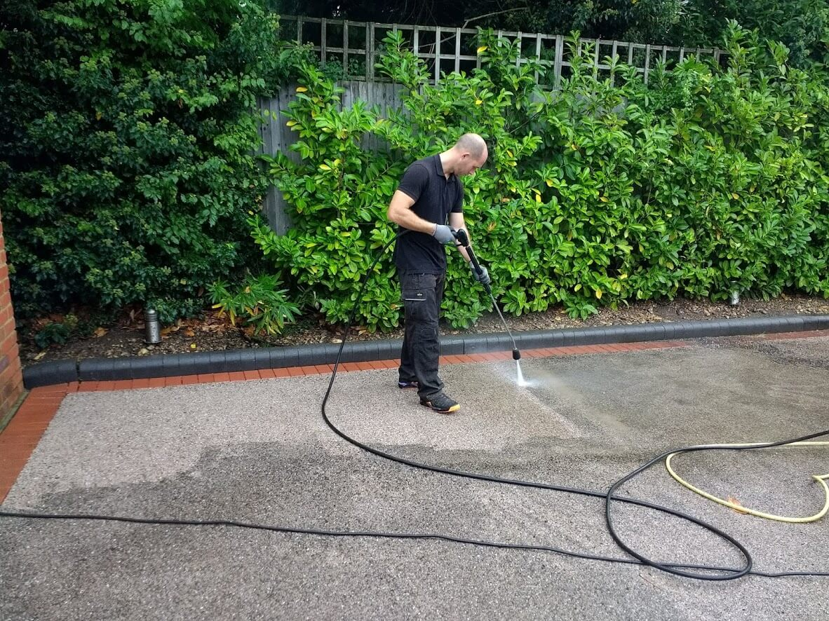 resin driveway cleaning in Marlow