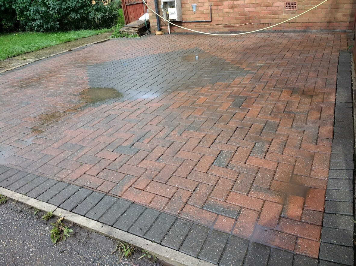 driveway cleaning pressure washing in Marlow